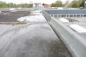 Flat roof before renovation