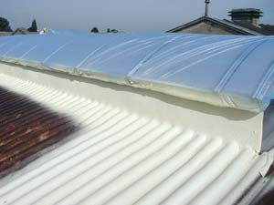 Image - Roof renovation: corrugated metal sheet, sealing of skylight dome